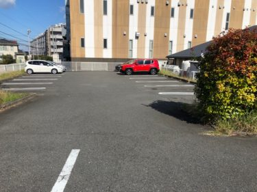 バンビーノ・駐車場