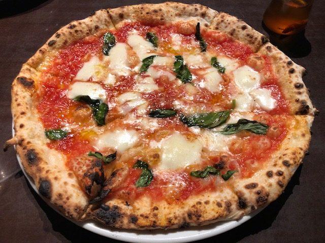 キャボロカフェのピザマルゲリータ