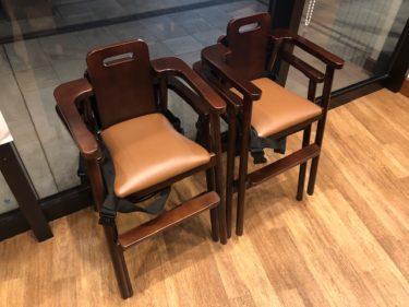 神田グリル 子供椅子