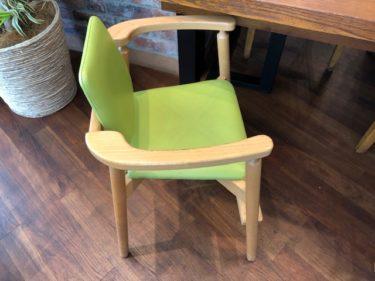 ステーキ&タコスの子供椅子