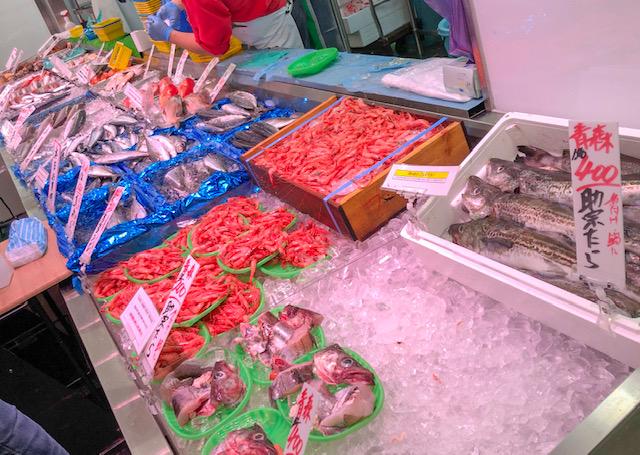 生鮮市場・魚類コーナー
