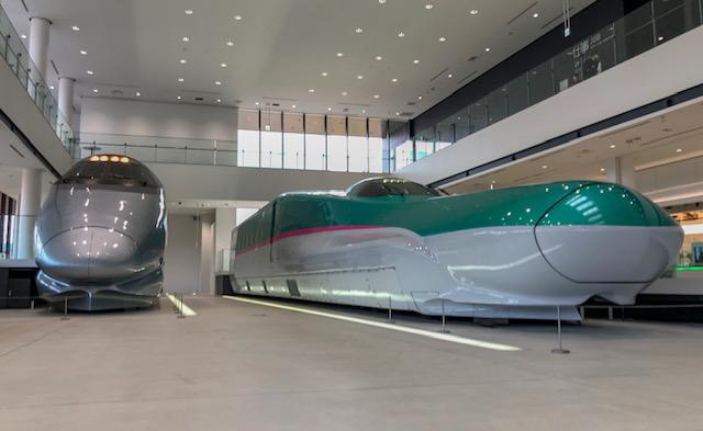 鉄道博物館・400系とE5形新幹線(はやぶさ)