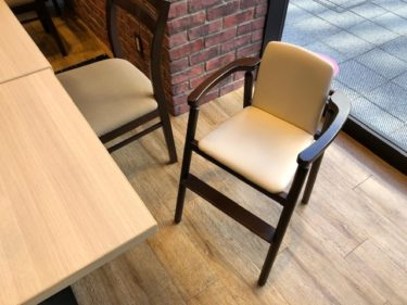 KFCレストラン・子供椅子