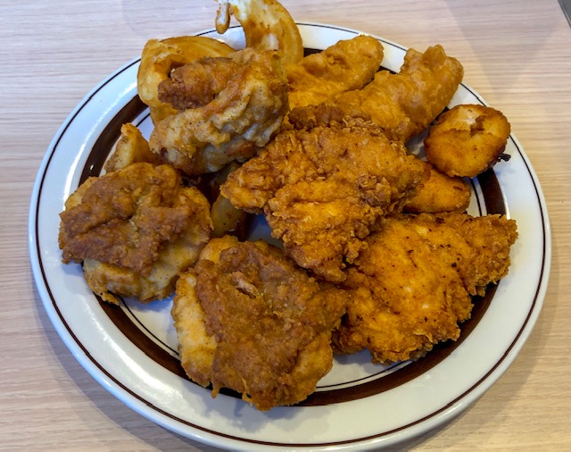 KFCレストラン・チキンの色々な部位