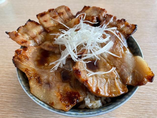 とんでん・北海道ぶた丼(大盛り)