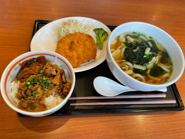 デニーズ・丼&讃岐うどんランチ(牛カルビ)