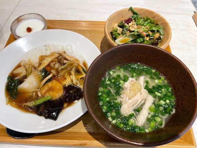 西安健菜キッチン・鶏そば&五目かけはんセット