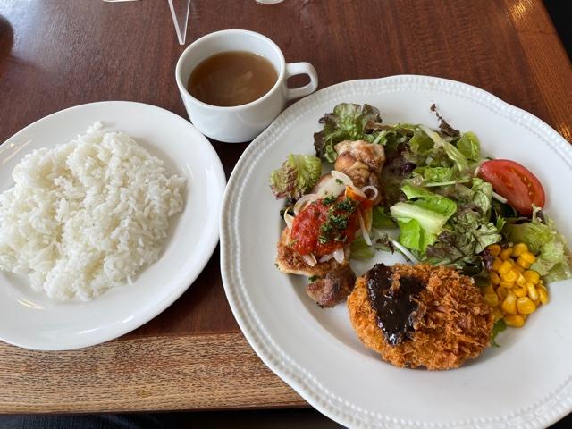 ロイヤルホスト・洋食ランチ(チキンのグリルトマトソース&黒毛和牛のポテトコロッケランチ)
