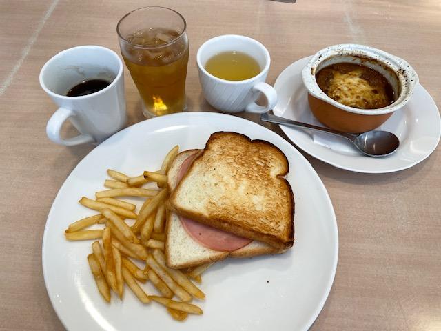 ジョナサン・ハム&チーズサンドモーニングとドリンクバーとオニオングラタンスープドリンクバー